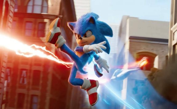 Sonic the Hedgehog Movie - Sonic avoid Dr Robotnik's attack.
